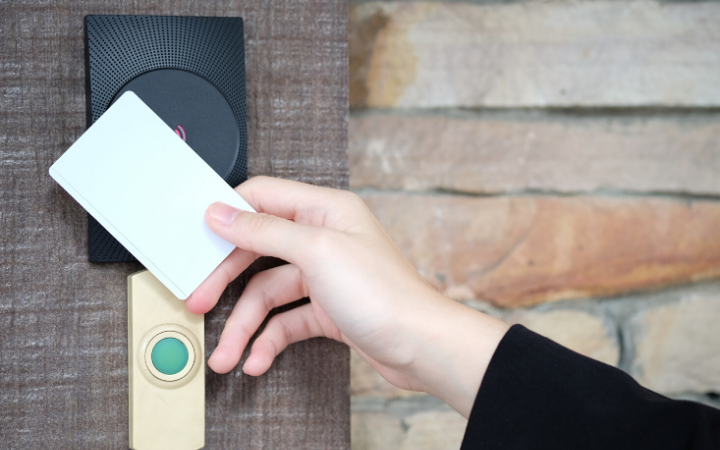The Multiple Benefits of a Contactless Door Access System